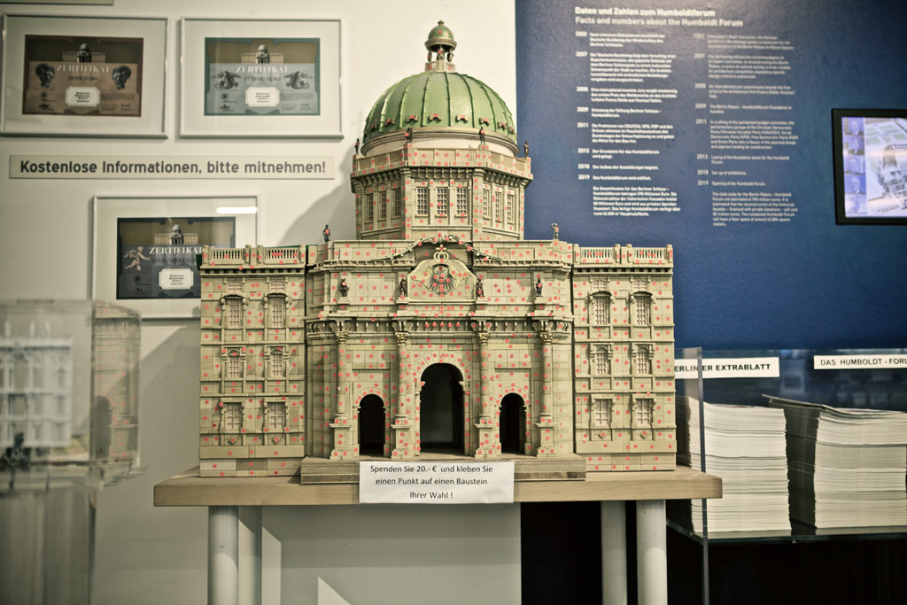 "Model exhibited in the ""Humboldt Forum""."