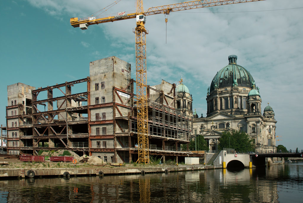 demolition of the Palast der Republik